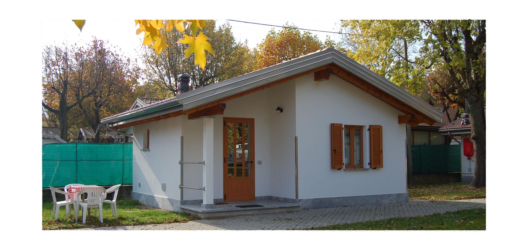 Camping solarium lago di como camping bungalows e for Piccoli bungalow piani casa con garage